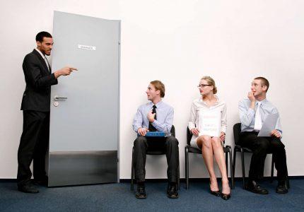 Czym się kierować zatrudniając pracownika?